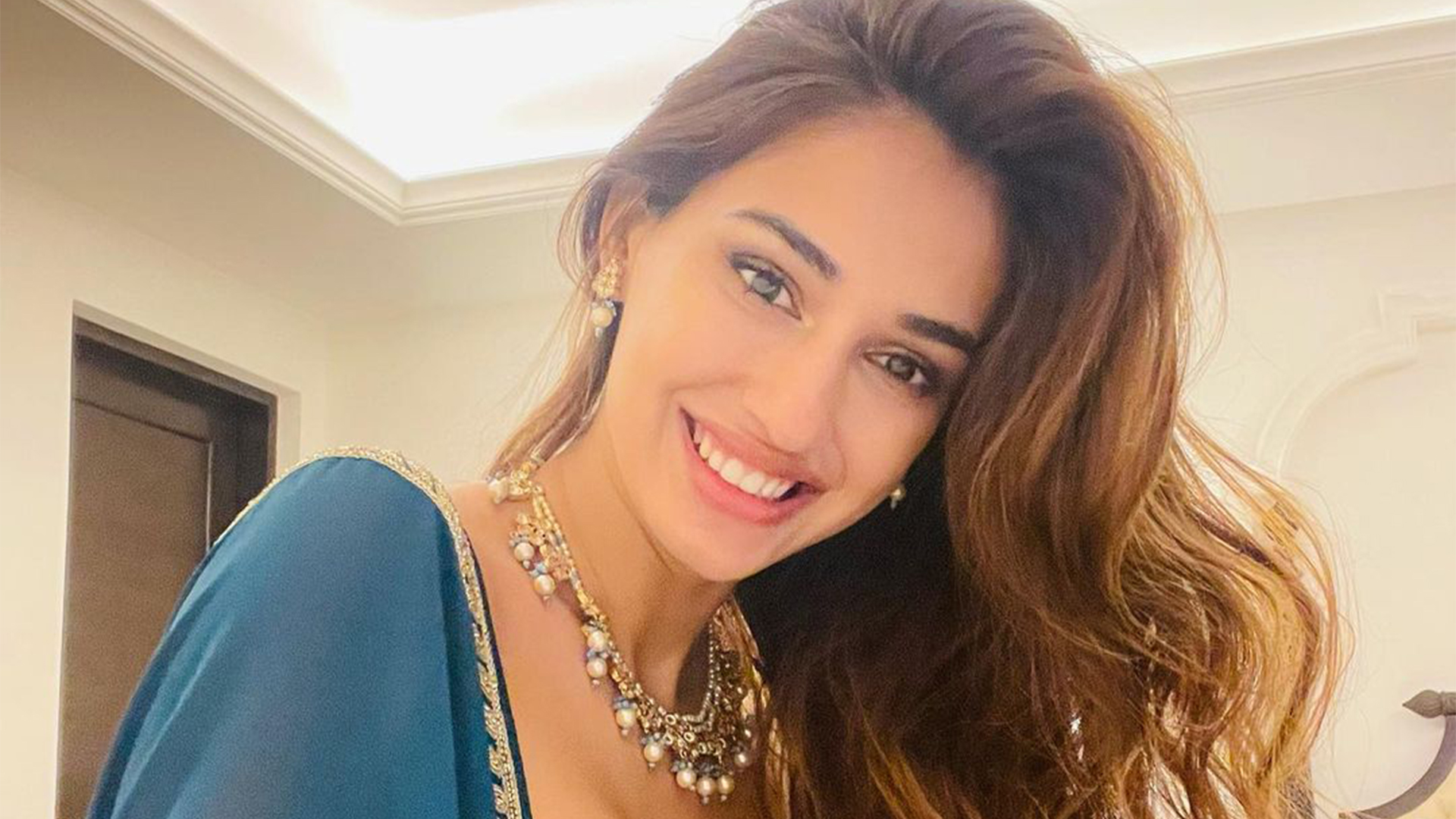 Disha Patani is awestruck by Tiger Shroff's killer and smooth moves in his latest dance video; Take a look