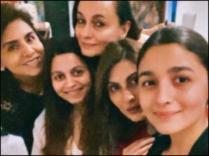 "Alia Bhatt's ""Shaking Birthday Celebrations"" Included Hanging Out With Neetu Kapoor And Some Couch Time. See Pics"