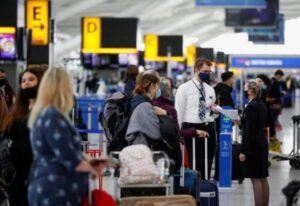 UK and U.S. Travellers Must Be Vaccinated to Enter France – Minister